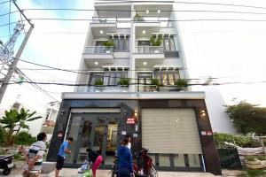 Bán nhà đường Đào Tông Nguyên KDC Sài Gòn Mới, DT sàn 185m, 3 lầu, sân thượng