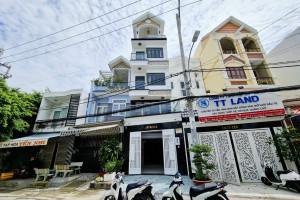 Bán Nhà Mặt Tiền Đường Huỳnh Thị Đồng Nhà Bè Diện Tích  4x18m, 5 Tầng.